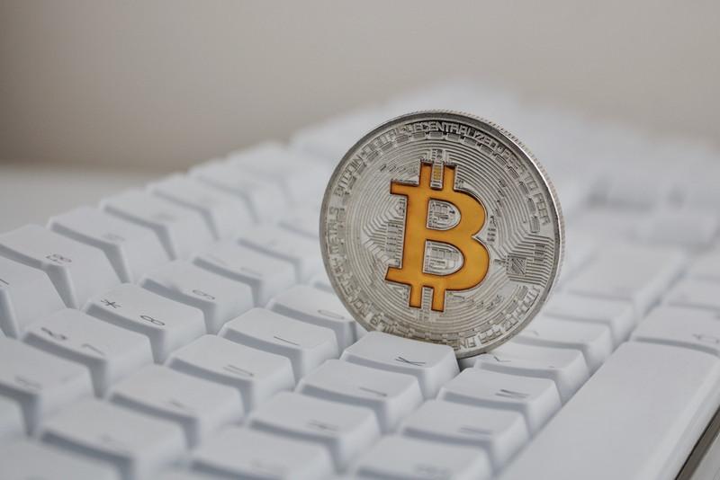 ビットコインとキーボード